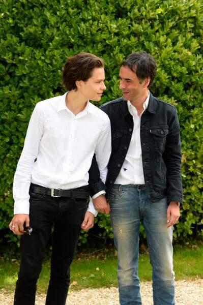 Jules Benchetrit a joué son premier rôle dans le film de son père, Chez Gino, en 2011