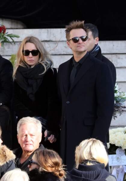 Convoi funéraire de Johnny Hallyday à l'église de Madeleine : David et Laura unis dans la douleur