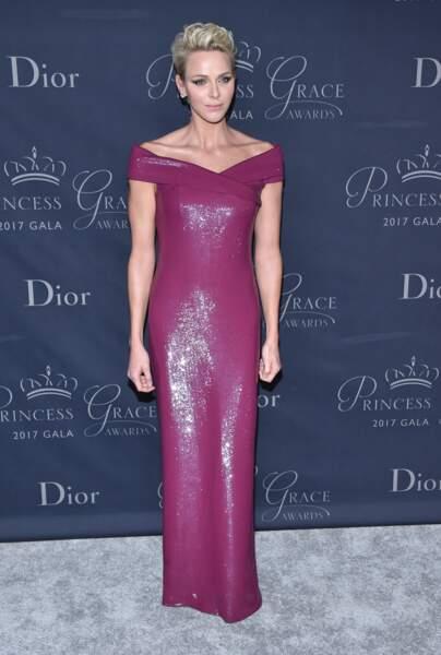 La princesse Charlène de Monaco mise sur sa coupe courte pour pour jouer les vamp'