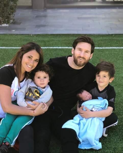 La famille Messi s'est agrandie avec l'arrivée de Ciro, le troisième fils du couple, après Thiago et Mateo