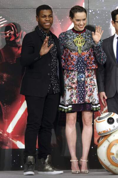 John Boyega et Daisy Ridley dans Star Wars