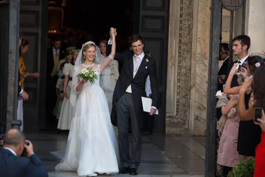 Elisabetta (en robe Valentino) épouse le prince Amedeo de Belgique à Rome en 2014