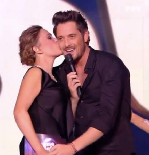 Sandrine Quétier, émue, embrasse Vincent Cerutti