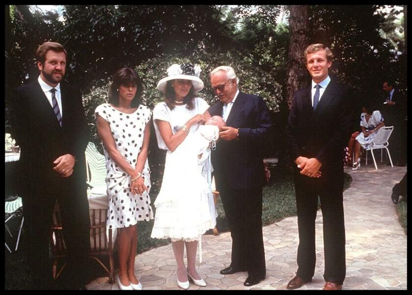 Stéphanie, Caroline de Monaco, Rainier et Stefano Casiraghi lors du baptême d'Andrea le 1er septembre 1984