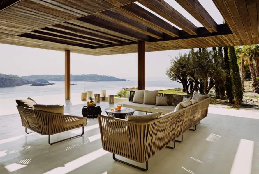 Et si Meghan Markle et le prince Harry préfèrent l'ombre, ils peuvent profiter d'une terrasse couverte