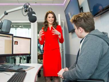 Kate Middleton adopte un énième total look rouge