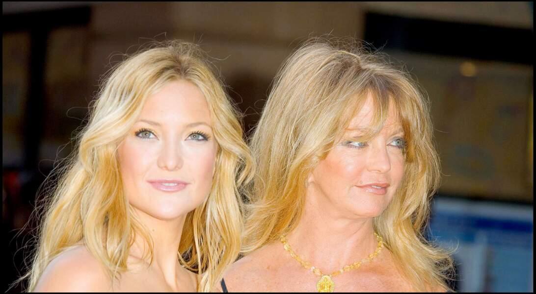 Kate Hudson et Goldie Hawn lors d'une avant-première à Londres en 2005
