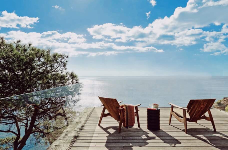 Entre deux brasses, Meghan Markle et Harry ont pu profiter d'un bain de soleil face à la magnifique vue sur Ibiza