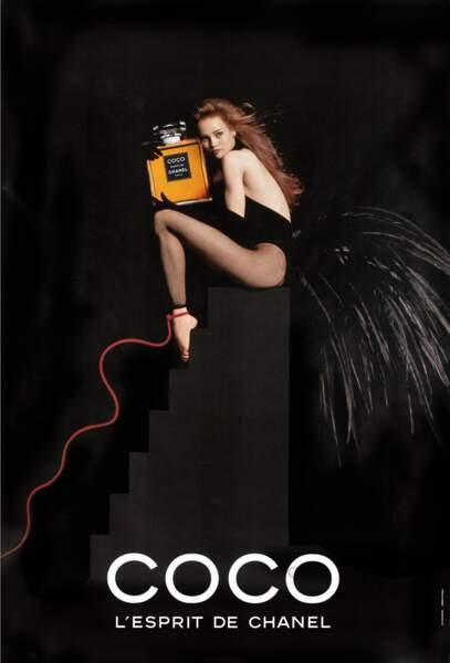 """Vanessa Paradis, oiseau ténébreux pour """"Coco"""" de Chanel en 1991"""