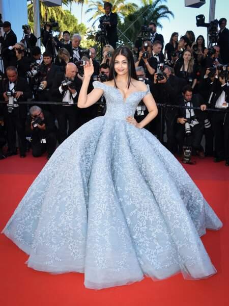 Aishwarya Rai, égérie L'Oréal Paris, robe Michael Cinco, bijoux Boucheron