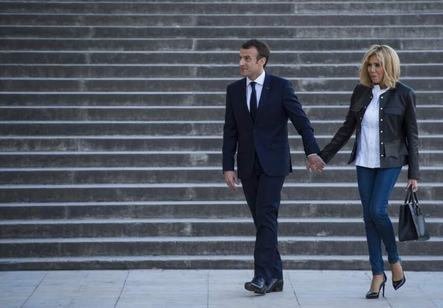 Toujours aussi rock pour accompagner Emmanuel Macron à son interview avec Bourdin et Plenel, en avril 2018