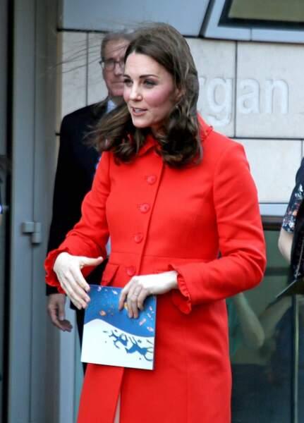 Kate Middleton ne portait pas la bague de fiançailles que lui a offert William qui est la bague de Lady Diana