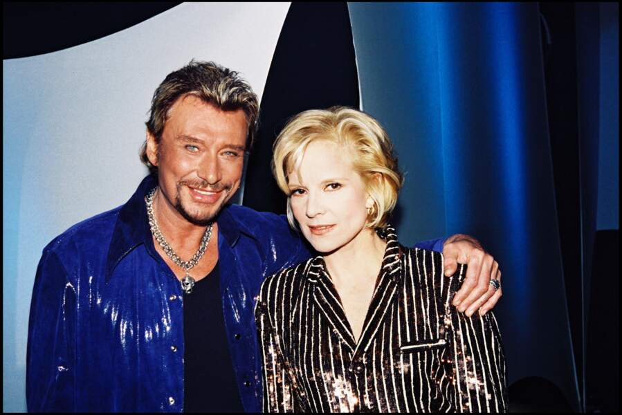 """Johnny Hallyday et Sylvie Vartan sur le plateau de l'émission """"Irrésistiblement Sylvie"""" en 1998"""