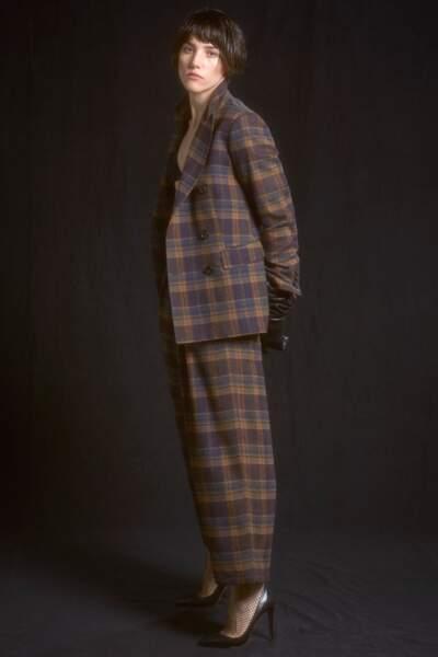 Alberto Biani mélange esthétique des années 1980 et costumes masculins, comme une touche british dans son dressing.