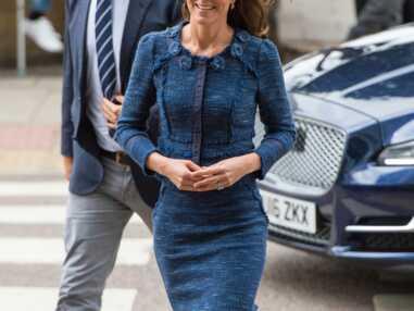 Look - Kate Middleton ressort son tailleur bleu préféré