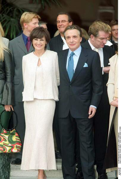 11 octobre 1999 : Anne-Marie Périer en robe Azzedine Alaïa épouse Michel Sardou