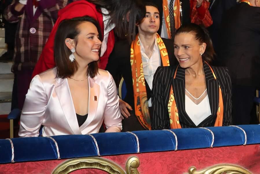 Pauline Ducruet était assise au premier rang, aux côtés de sa maman