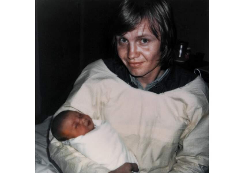 Angelina Jolie à quelques heures dans les bras de son père JOhn Voight