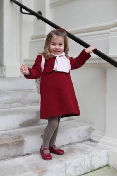 La princesse Charlotte de Cambridge au palais Kensington, juste avant sa rentrée à la crèche Willcocks en 2018