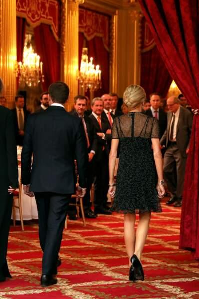 Brigitte Macron : son chignon banane est très sophistiqué