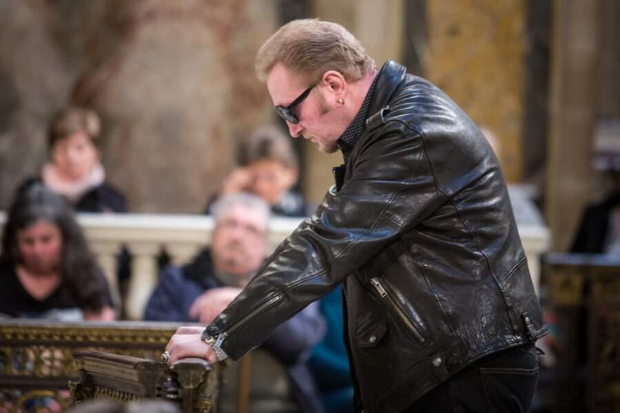 Un fan de Johnny Hallyday, lors d'une messe hommage le 9 avril 2018