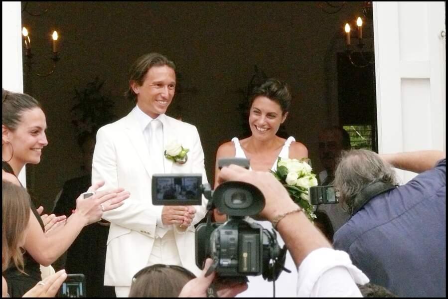 Alessandra Sublet et Thomas Volpi en sortant de l'église anglicane de Saint-Barth qui les a mariés en 2008