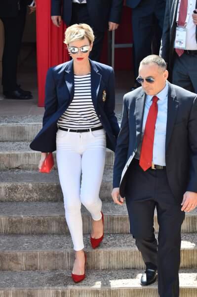 Charlène de Monaco canon avec une nouvelle coupe de cheveux et son rouge à lèvres assorti à ses chaussures