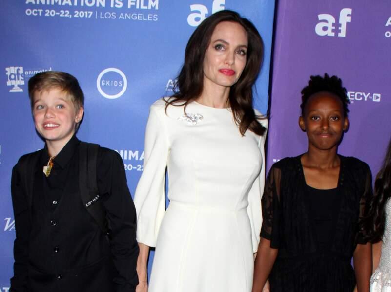 Angelina Jolie, une maman sublime sur le tapis rouge avec ses filles, Shiloh et Zahara