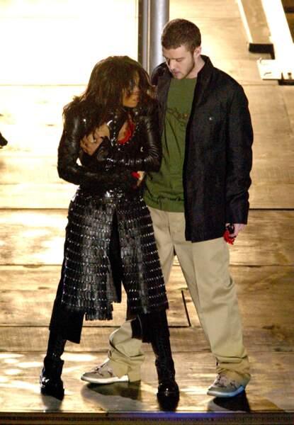 Janet Jackson et Justin Timberlake juste avant le scandale du nipplegate au Super Bowl en 2004