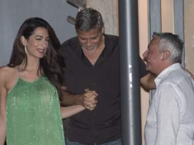 Amal Clooney, sublime en robe longue Stella Mac Cartney pour diner avec George Clooney