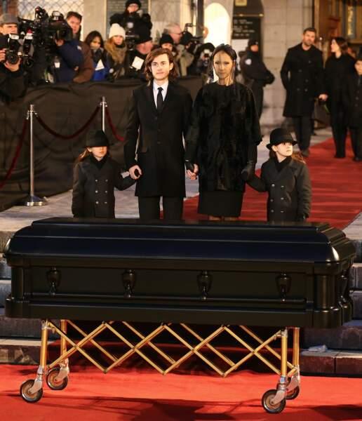 Céline Dion, René-Charles, Nelson et Eddy Angélil aux obsèques de René Angélil à Montréal, le 22 janvier 2016