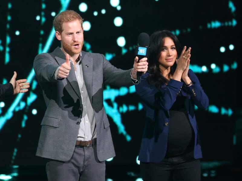 Meghan Markle était radieuse aux côtés du prince Harry en veste de blazer bleue