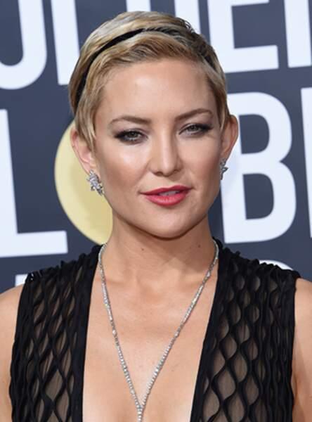 Le ruban satin pour habiller une coupe garçonne comme Kate Hudson