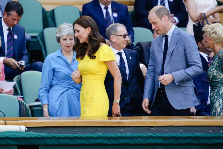 Kate Middleton affiche une ligne superbe dans sa robe jaune Dolce & Gabbana
