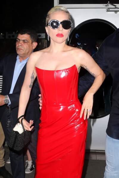 Lady Gaga : citation, symbole.. tous les styles de tatouage sont bons pour Lady Gaga