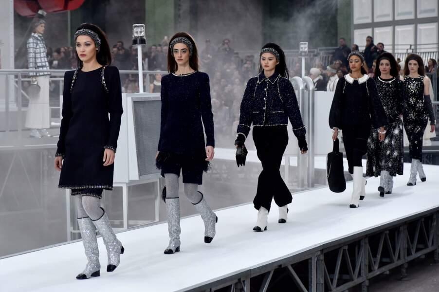 La valse finale des mannequins pour le défilé Chanel automne-hiver 2017