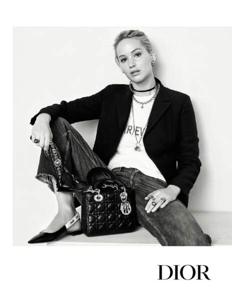 Incarnation de la girl next door, Jennifer Lawrence a posé dans la nouvelle campagne automne 2017 de Dior