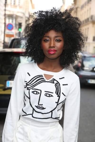 Inna Modja assume sans complexes et avec beauté une coupe afro