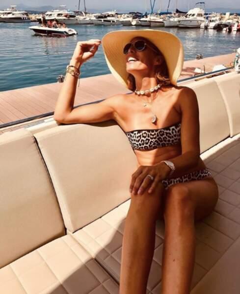 A 41 ans Sylvie Tellier sait que désormais beau décolleté rime avec soin galbant et protection rapprochée