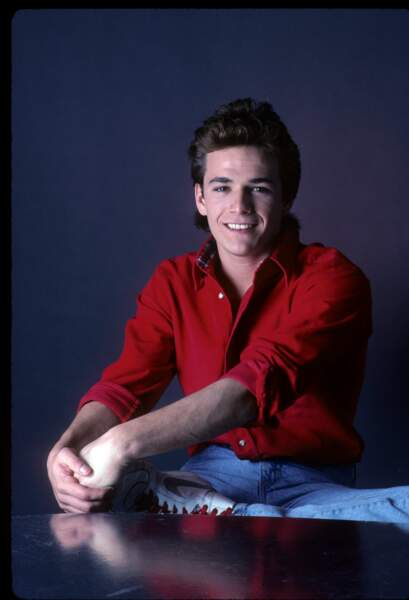 """Luke Perry obtient l'un de ses premiers rôles à l'écran en 1987 dans la série """"Loving"""""""