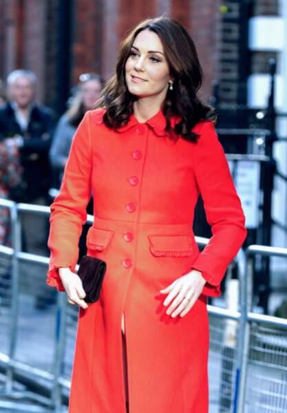 Kate Middleton entame son sixième mois de grossesse et a donc les doigts qui gonflent un peu