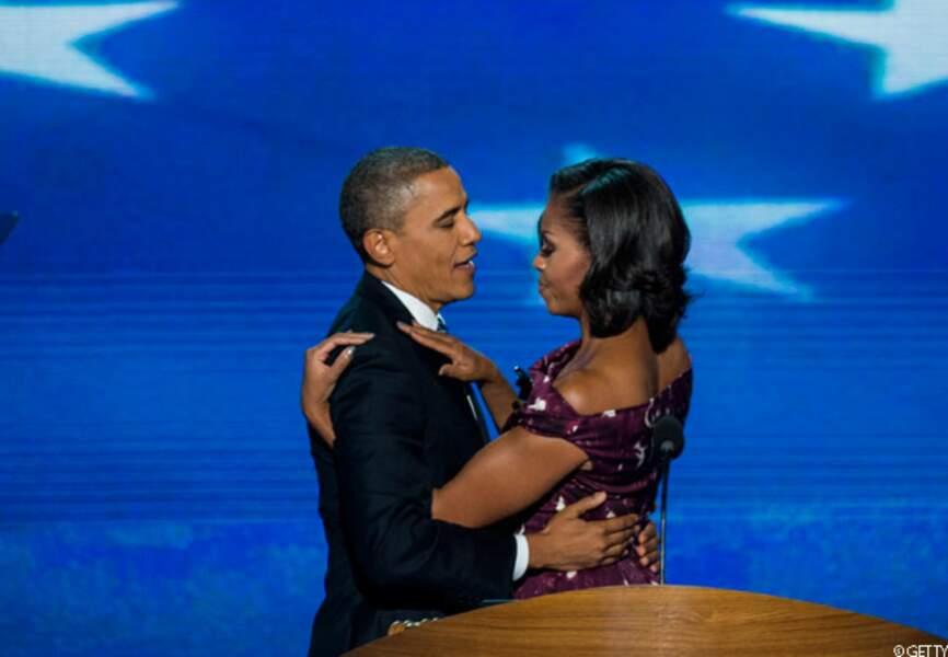 Barack enlace sa femme à la Convention nationale démocrate, Charlotte, le 6 septembre 2012