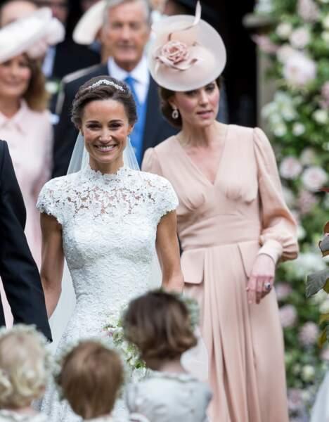 Chez les Middleton, Pippa, la soeur de Kate, a cessé de signer des chroniques dans la presse et s'est mariée.