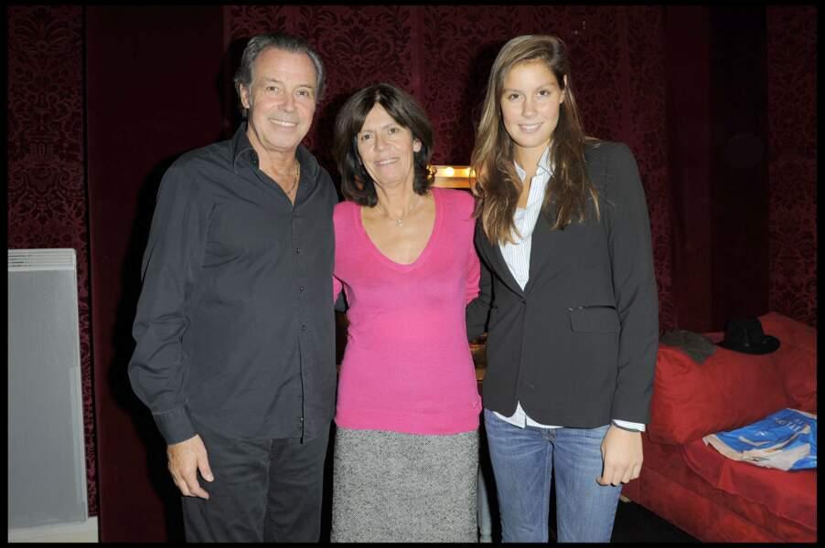 Fanny Leeb entourée de ses deux parents, Michel Leeb et sa femme Béatrice