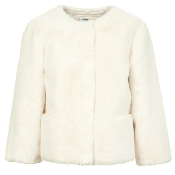 Veste courte ras du cou et poches plaquées, 295 € (Weill).