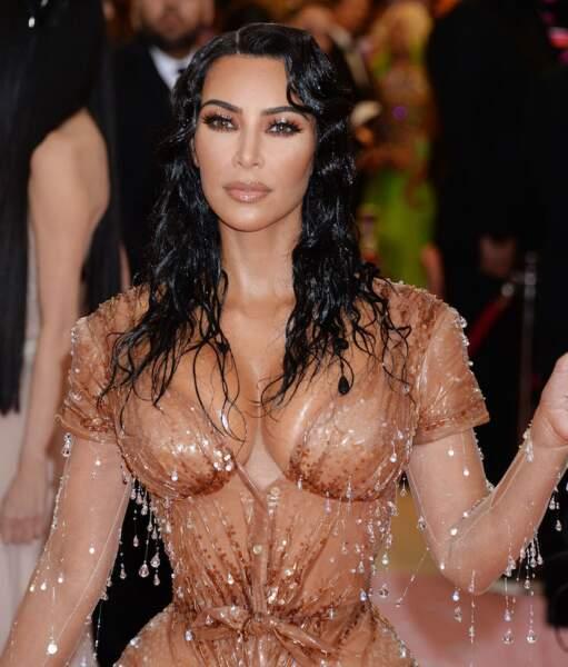 L'effet ultra mouillé comme Kim Kardashian