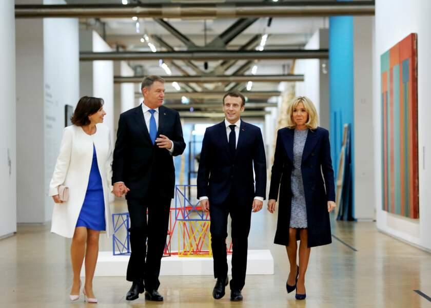Emmanuel et Brigitte Macron visitent le Centre Georges Pompidou avec le président roumain et son épouse