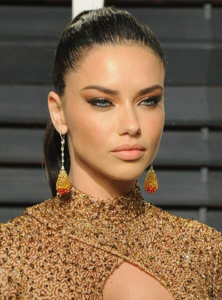 Le make up orangé d'Adriana Lima