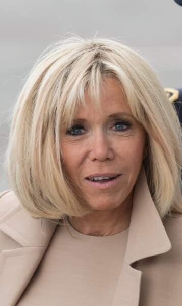 Un blond polaire et sophistiqué comme Brigitte Macron