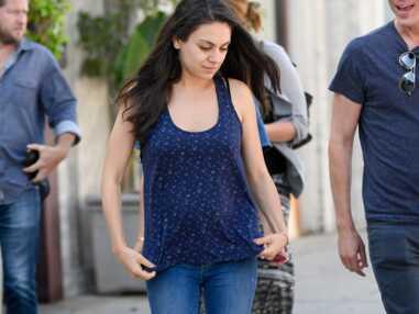 Mila Kunis, alerte au baby bump